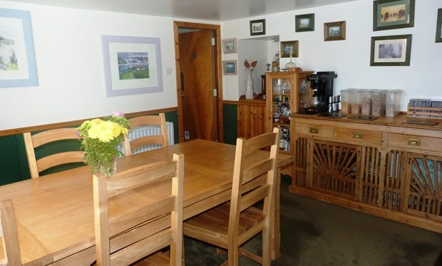 GALSON FARM - DINING ROOM 2