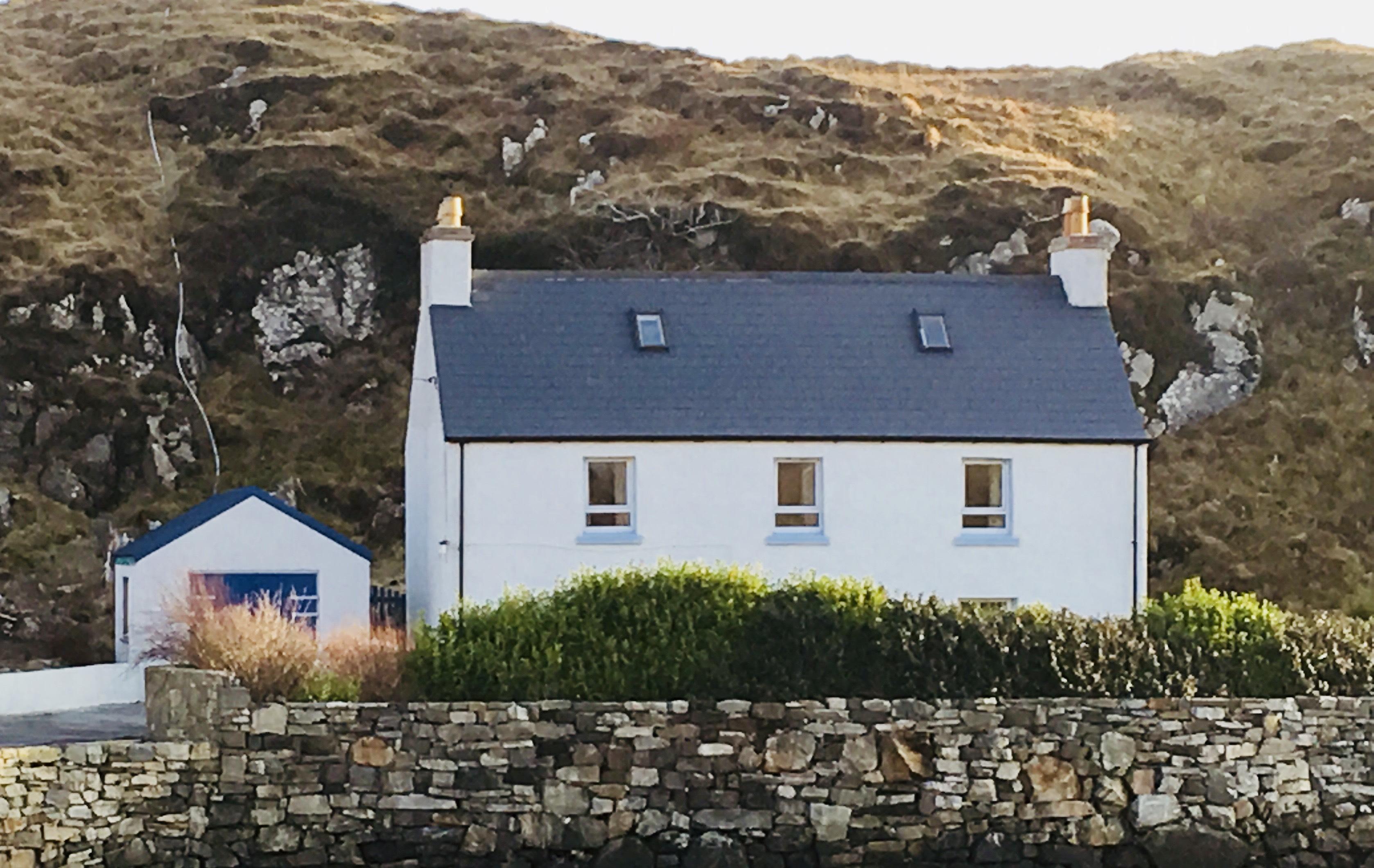 Seaside House Ardinashaig Isle of Scalpay HS4 3XZ