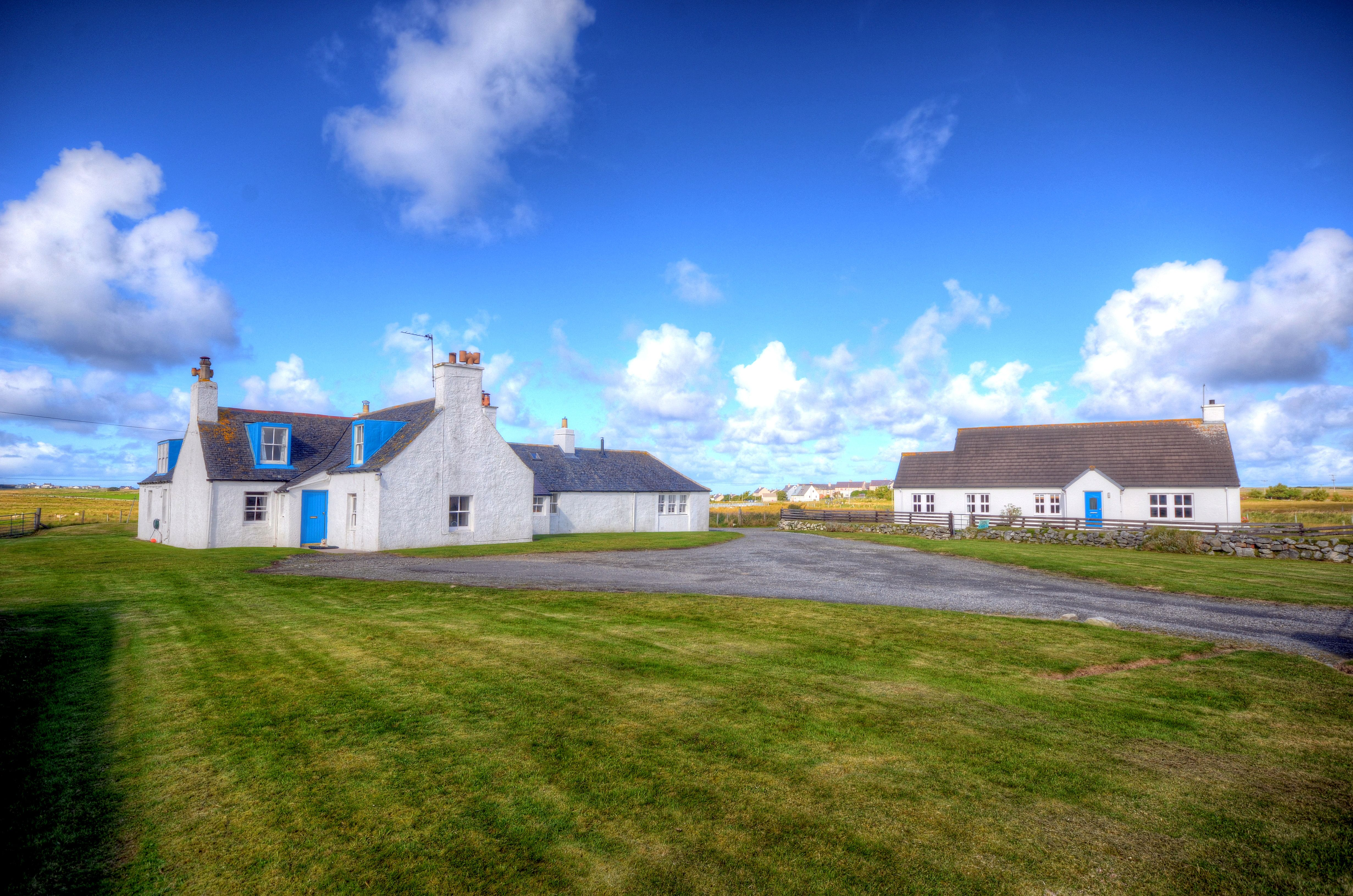 BARVAS LODGE & COTTAGE, LOWER BARVAS, ISLE OF LEWIS HS2 0RA